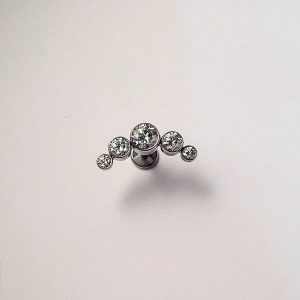 anatometal-5-arched-cluster-threaded-end-cz-crystal-75-600x600